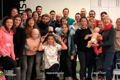 Monitores y monitoras deportivas de Ebone en Logroño Deporte tras el taller de Primeros Auxilios